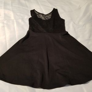 H&M Dresses - Sweetheart neck lace flare dress